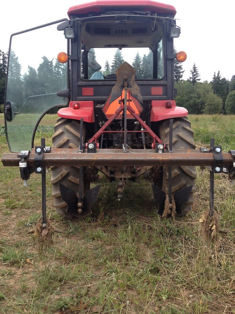 Setting Up a Basic Tool Bar for Your Tractor – farm hand